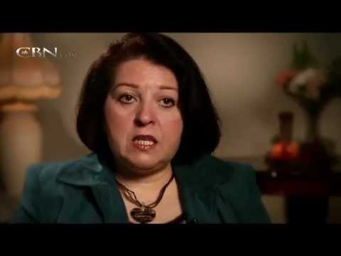 Former Muslim Woman Healed and Sees Jesus in a Vision!!