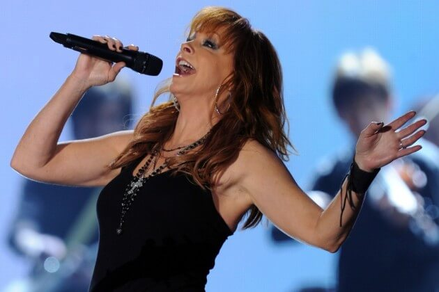 Country Singer, Reba McEntire Faced the Painful Divorce With God!