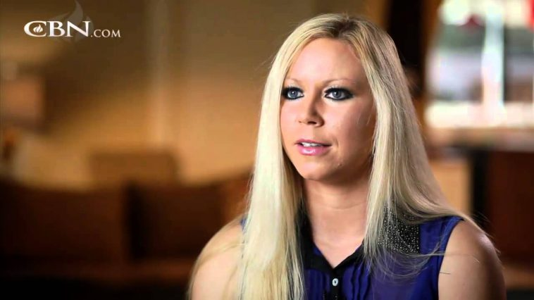 Christian Woman Left Church And Became A Club Dancer, Until 1 Neighbor Spoke To Her