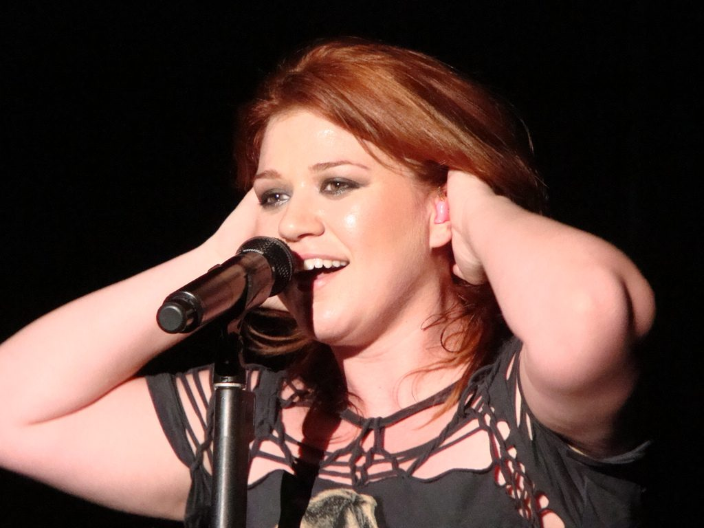 Kelly Clarkson Says God Sent An Angel To Send Her Into The Business of Music!